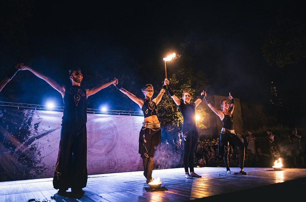 Tradičný trnavský jarmok v znamení ohňa i veselého žonglovania.