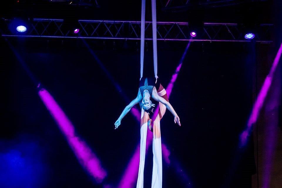 Dreamdancers-radosť-vzdušná-akrobacia